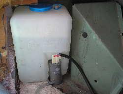 Windscreen washer water bottle LandRover Defender